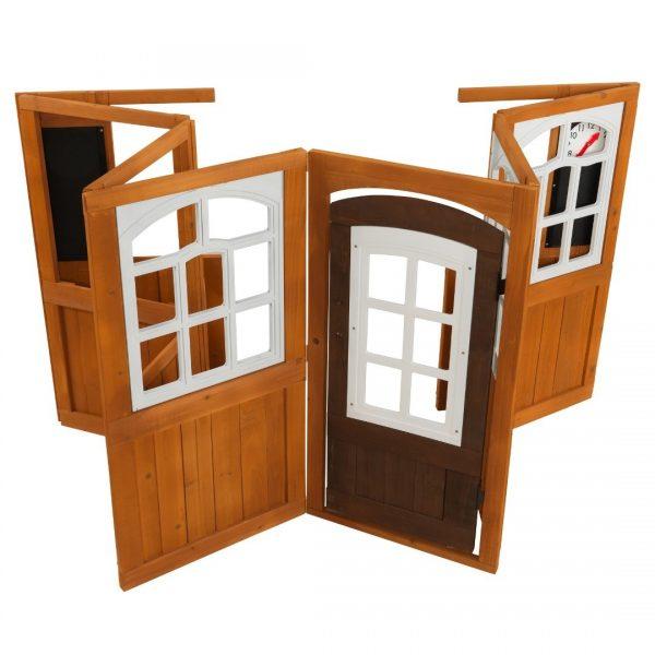 דלת לבית עץ לילדים